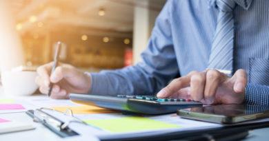 Différence entre un comptable et un expert comptable par michel weber